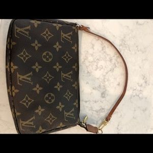 Louis Vuitton Bags - Authentic Louis Vuitton pochette